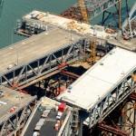 Для соединения временной эстакады с существующим мостом секция старой эстакады будет демонтированаi