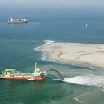 2011 г. Добыча песка для проекта Sand Engine